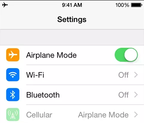 Turn on and off the Airplane mode in iphone